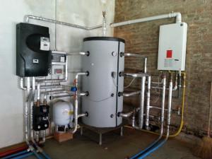 Impianto di teleriscaldamento con caldaia a gas di emergenza